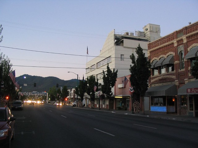 Downtown Grants Pass, Oregon | Grants Pass is a city in ...