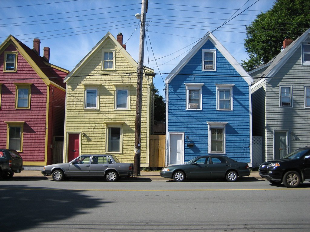 Colourful halifax houses chebucto road quaint houses in for Houses nova scotia