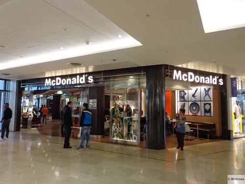 mcdonald 39 s paris la d fense centre commercial les 4 temps flickr. Black Bedroom Furniture Sets. Home Design Ideas