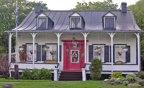 Maison traditionnelle sur l 39 le d 39 orl ans qu bec canada flickr for Photo de maison au canada