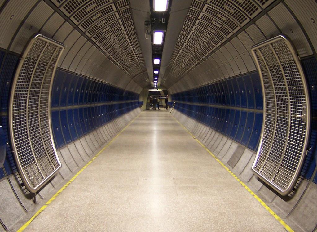 Interior De Ventana De Nave Espacial: Pasillo De Nave Espacial / Spaceship Corridor