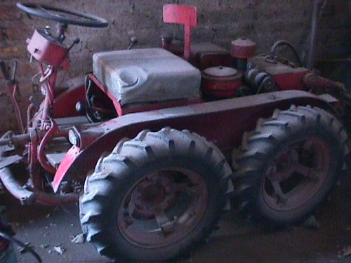 Hunting old tractors in Mendoza Argentina with Bob Frassinetti | by artdealer_ar