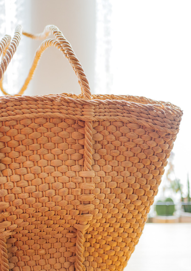straw weaved handbag