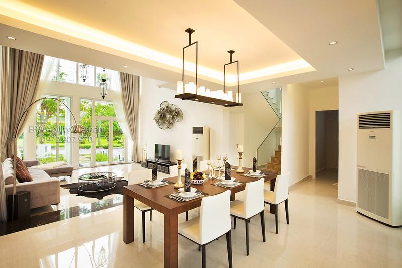 Phòng bếp và bàn ăn nhà mẫu Biệt thự Villa Park