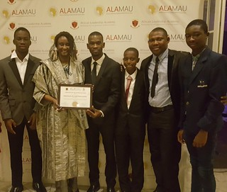Receiving award from #ALA's Model African Union Conference.5 Great days of interacting w/Continents next leaders! | by blogitrrs