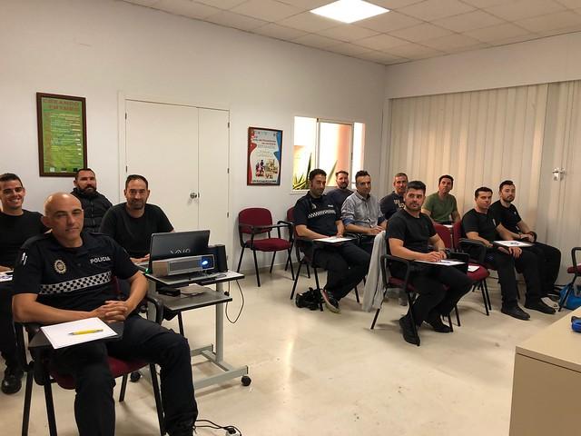 AionSur 41745674054_3ec9ac981b_z_d Marchena acoge el primer curso de Andalucía de armas eléctricas Taser Marchena