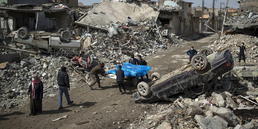 2017年3月,美軍在摩蘇爾地區的轟炸造成超過200位平民死亡。照片攝於3月24日。(Felipe Dana / AP file)