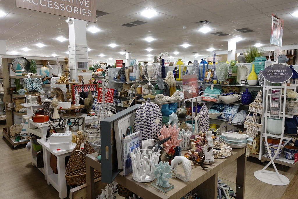 Home Goods Store Coralville 4-30-18 01 | anothertom | Flickr
