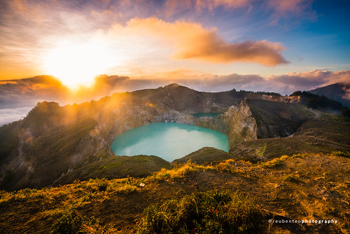 Sunrise at Kelimutu Crater Lake, Flores | by reubenteo