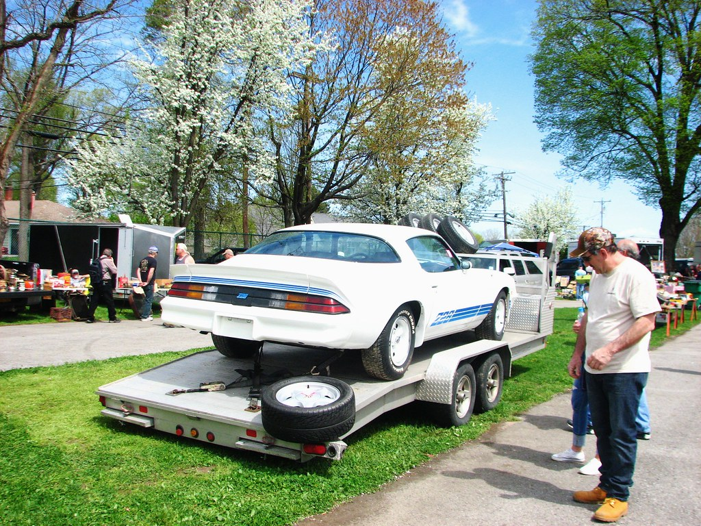 A CHEVY CAMARO Z28 FOR SALE | A 1979-81 model seen at the 20