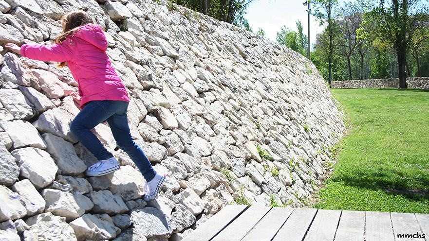 trepando muro