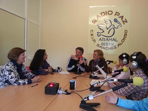 AionSur 40985132455_20cd32c24b_d Radio Paz: 1.000 programas para hacer historia en educación y periodismo Educación