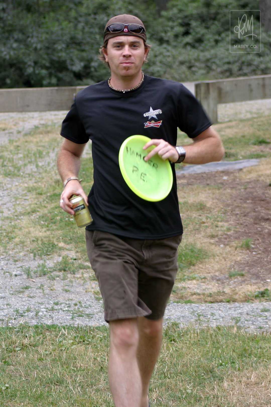 Unwinding with a wee game of Frisbee Golf