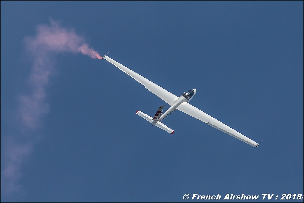 Swift S-1 - 108 - F-CHBA Voltige planeur avec Daniel SERRES , Meeting Aérien Gap-Tallard 12 mai 2018 - Alpes-Envol , Association AGATHA , Canon EOS , Sigma France , contemporary lens , Meeting Aerien 2018