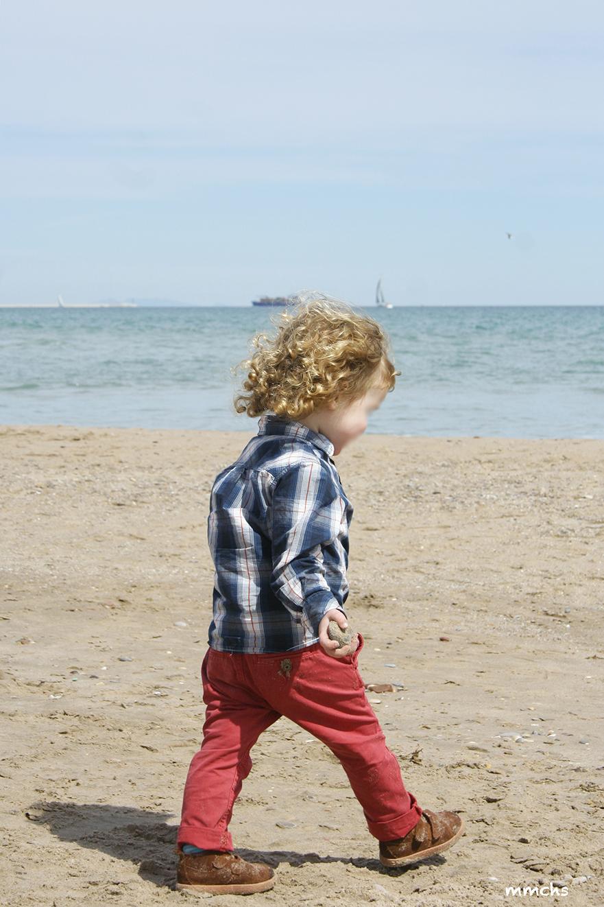 en la playa con niños