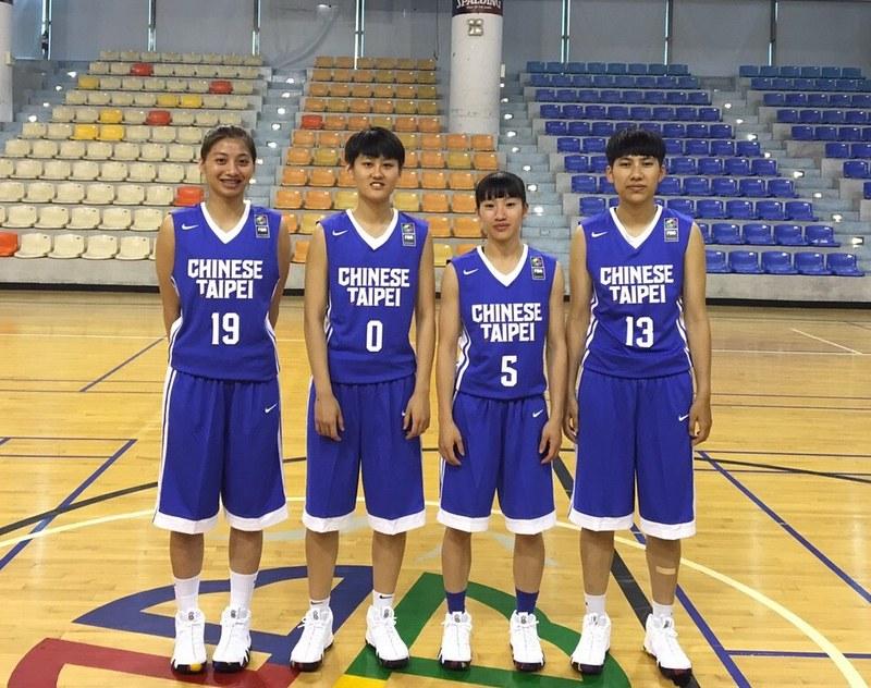 FIBA3x3選手(圖左起)徐玉蓮、羅培甄、陳孟欣、王竫婷。(籃協粉專提供)