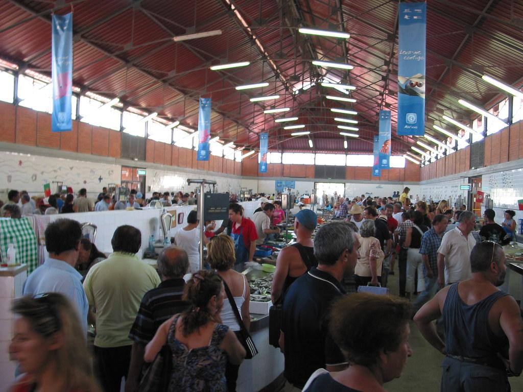 Image result for imagens dos mercados de Olhão