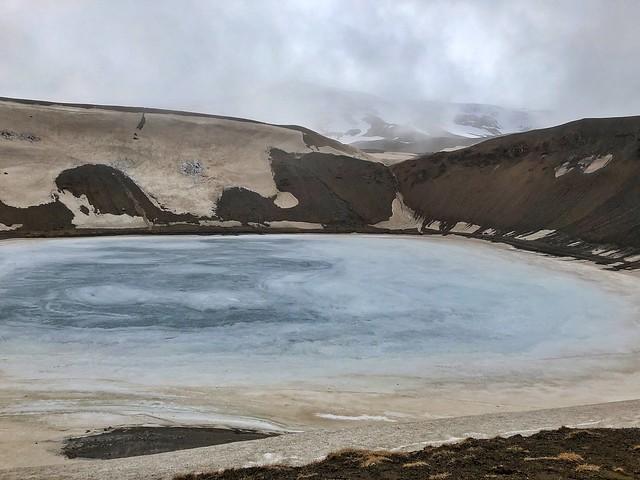 Cráter helado del volcán Viti (Norte de Islandia)