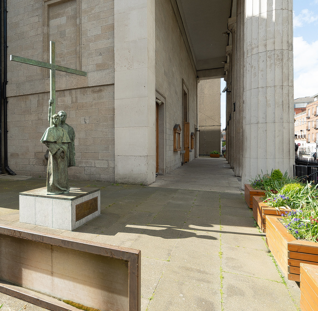 DUBLIN MARTYRS MEMORIAL [AT THE PRO-CATHEDRAL IN DUBLIN] 002