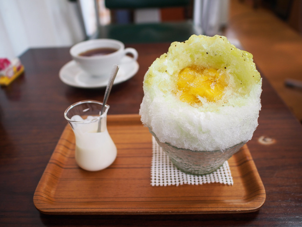 Japanese Ice Shaved - Yogurt Condensed Milk & Apple & Kiwi (Inside Pineapple Jelly)