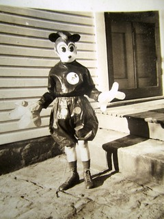 Mouse Kid Detail - Disney Mickey Costume 0070 | by Brechtbug
