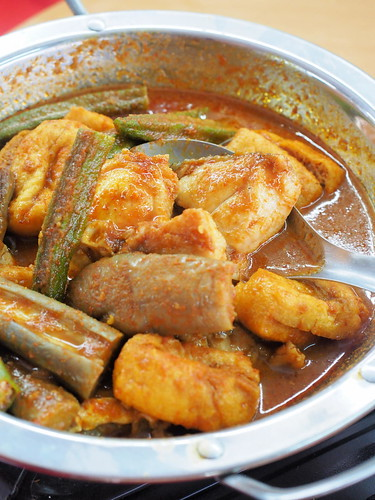 Curry fish head at at Pangkor Seafood Village,Taman Megah | by huislaw