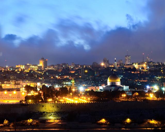 Skyline de Jerusalén en la hora mágica