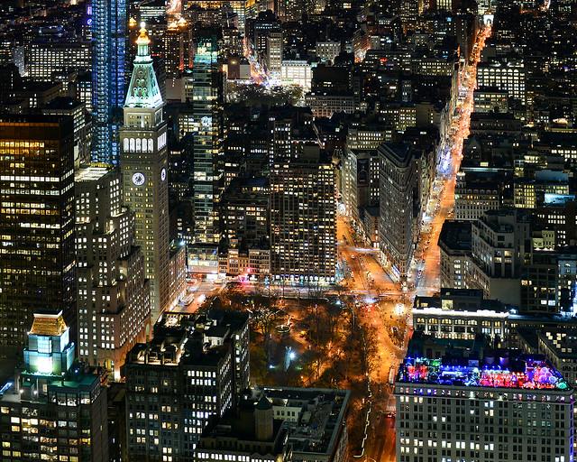 Edificio Flatiron desde el Empire State Building en la noche