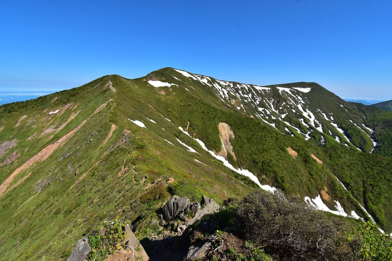 不忘山から屏風岳への稜線ハイク