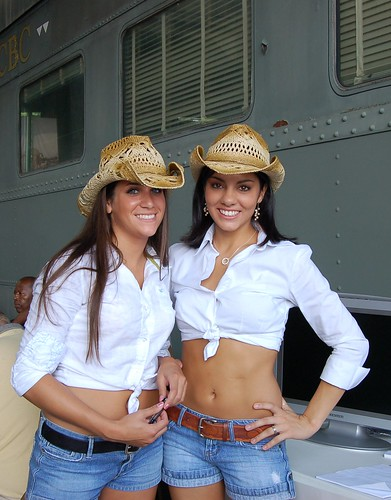 Hot Girls  Id Kill For A Body Like Those Two The -5793