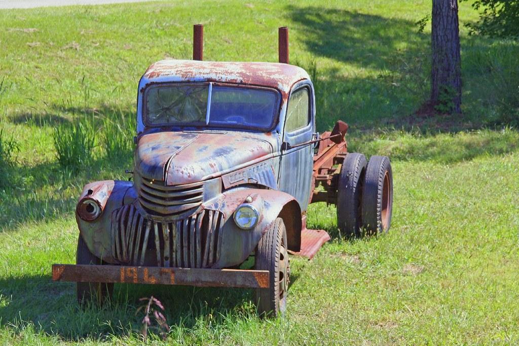 1947 pulpwood truck