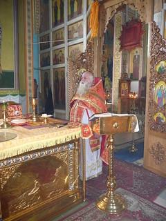 Отец Владимир Фоменко в алтаре