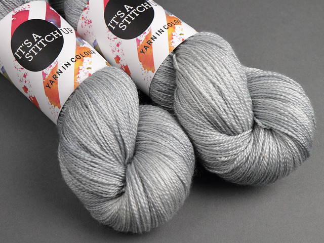 Brilliance Lace – British Bluefaced Leicester wool and silk hand-dyed yarn 100g – 'Silver'