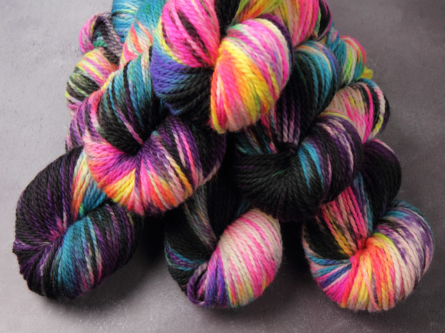 Awesome Aran – pure British wool superwash hand-dyed yarn 6 x 100g Sweater Pack – 'Shinjuku'