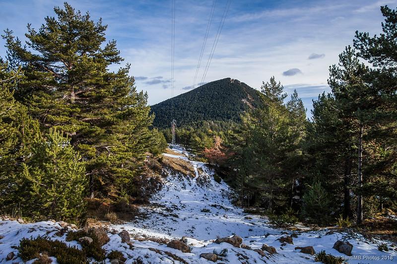 El Cap de Confós desde el camino de Fumanya a la Font del Pi