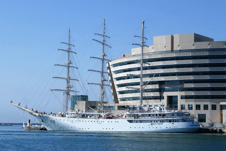 صور السفينة الشراعية الجزائرية  [ الملاح 938 ] - صفحة 11 42334632625_1dcf1338d8_o