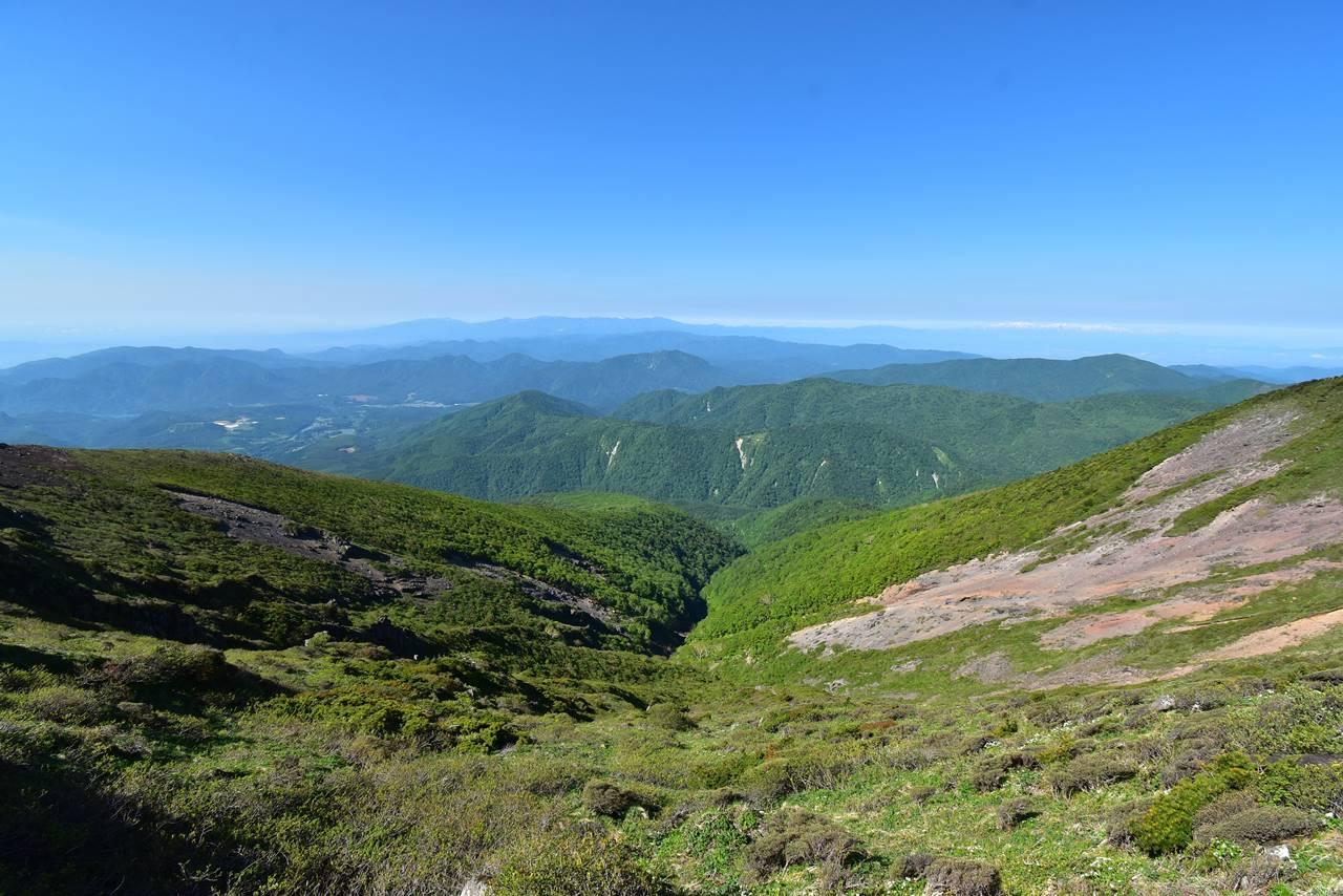 不忘山稜線から西側の展望