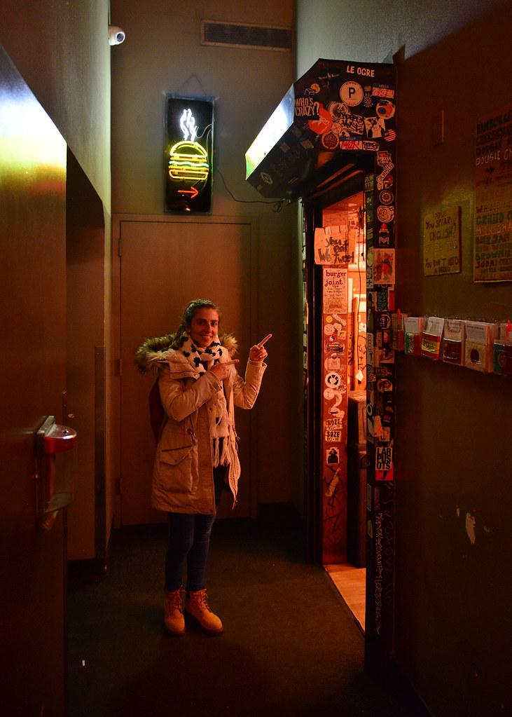 Entrada a la hamburguesería secreta Le Meridien, una visita obligatoria que hacer en Nueva York