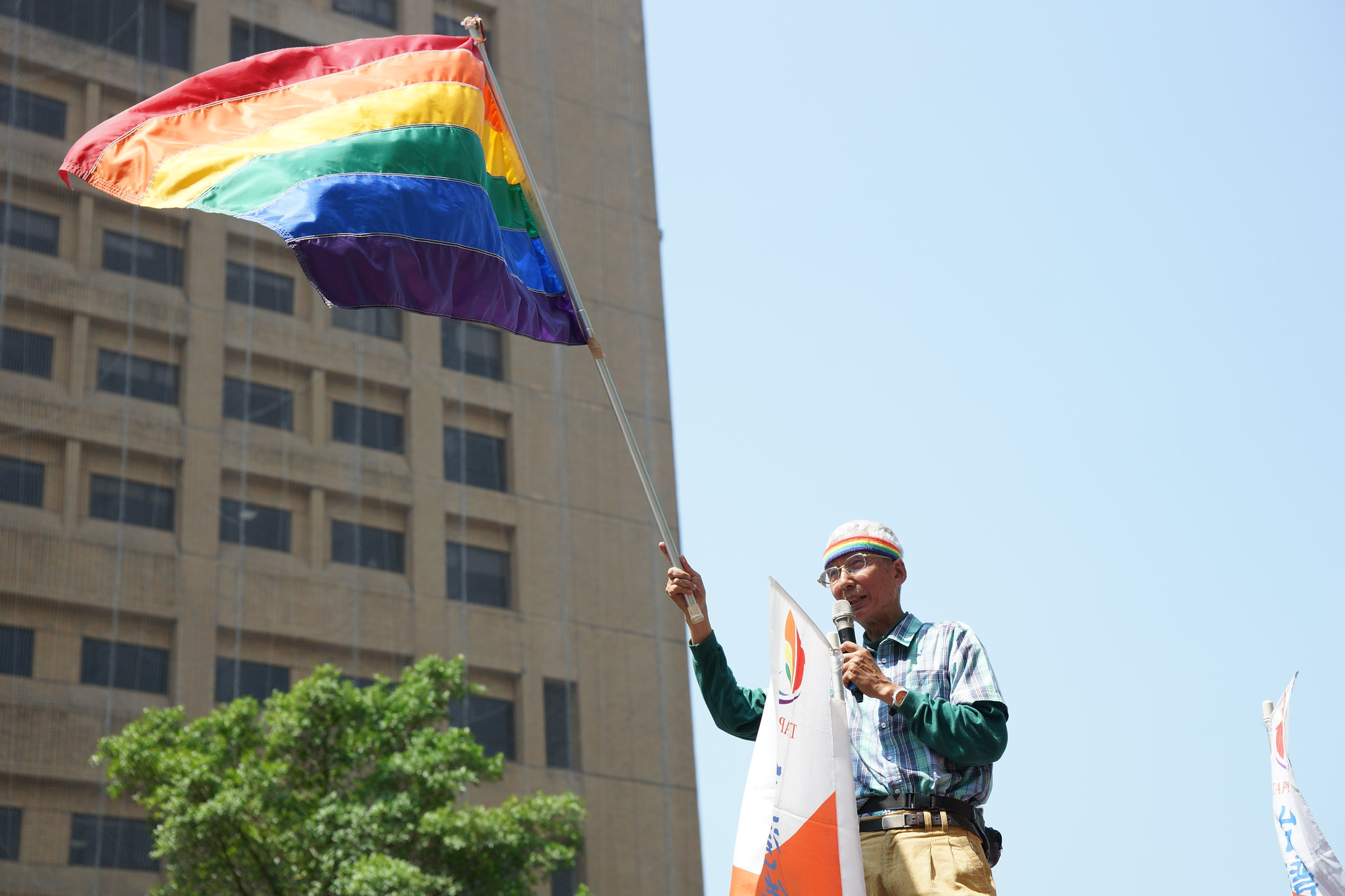 祁家威諷刺中選會寧當「漢奸」鼓勵同志團結對抗護家盟。(攝影:王顥中)