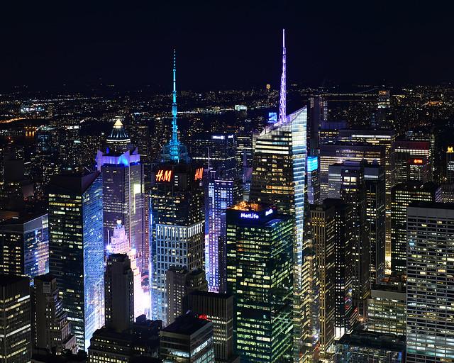 Rascacielos de Nueva York en la noche desde el Empire State