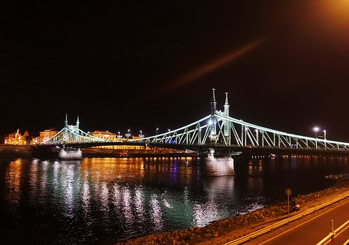 Budapest by night_III | by No Nonsense Rocinante