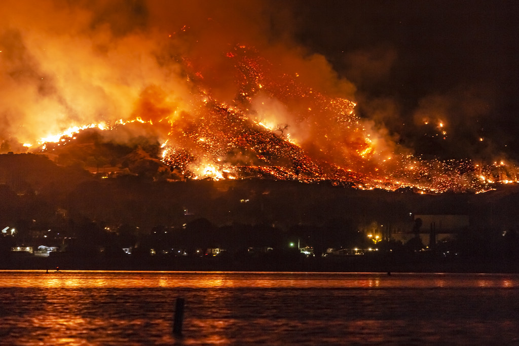 California Wildfires: The Holy Fire At Lake Elsinore On Au ...