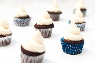 chocolate cupcakes with honey caramel, honey buttercream and spicy nougatine | by estherolschowy