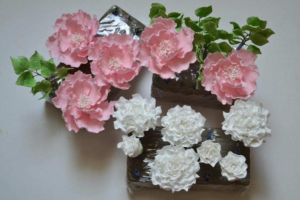 Blumen Fur Hochzeitstorte Handgefertigte Zuckerblumen Ros Flickr