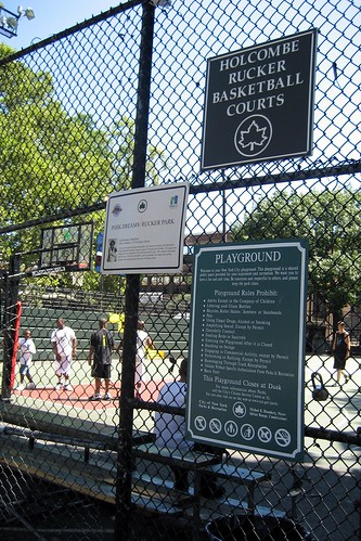 NYC - Harlem: Holcombe Rucker Basketball Courts | by wallyg