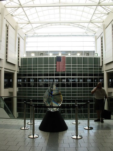 Copy of Ries_Schott glass sculpt_ Columbus airport 0730106 | by BryanQFreek