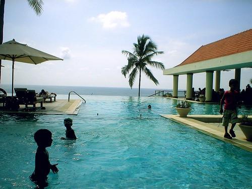 Infinity Pool Leela Kempenski Hotel Kovalam Kerala Ind Flickr