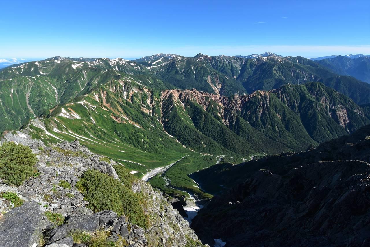 西鎌尾根から眺める双六岳~裏銀座の展望
