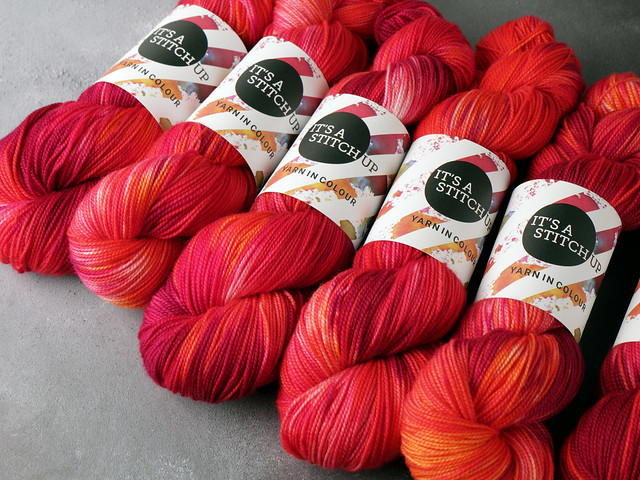 Favourite Sock – pure merino wool 4 ply/fingering hand dyed yarn 100g – 'Momiji' (red, purple, orange)