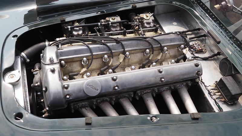 Lister Jaguar 1953 29698163218_1b885a2021_c